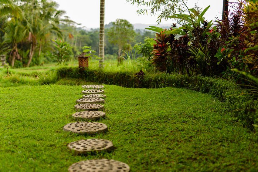 S PVC robniki za vrt do urejene grede